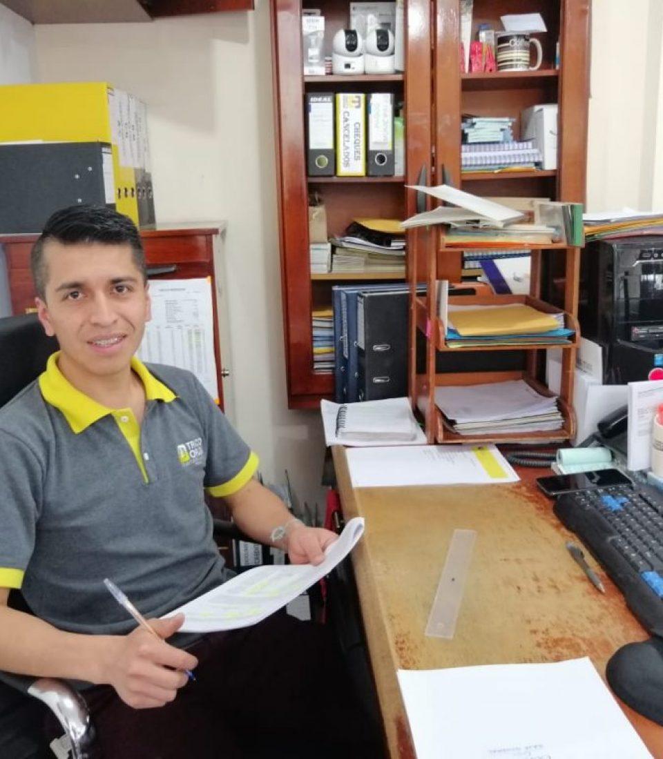 Tec. Álvaro Yanangómez Paladines